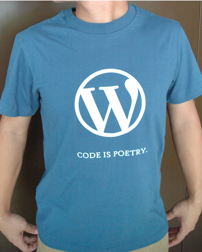 camiseta code is poetry