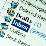 Email de moderación solo al autor de la entrada