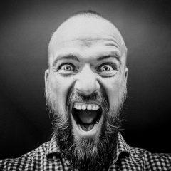 Cómo ocultar todos los avisos de actualizaciones en WordPress